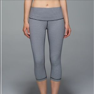 Lululemon gingham print wunder under crop leggings